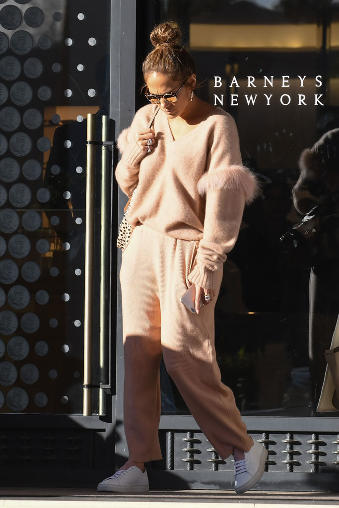 Jennifer Lopez, sally lapointe, shopping, leah remini, los angeles, celebrity style