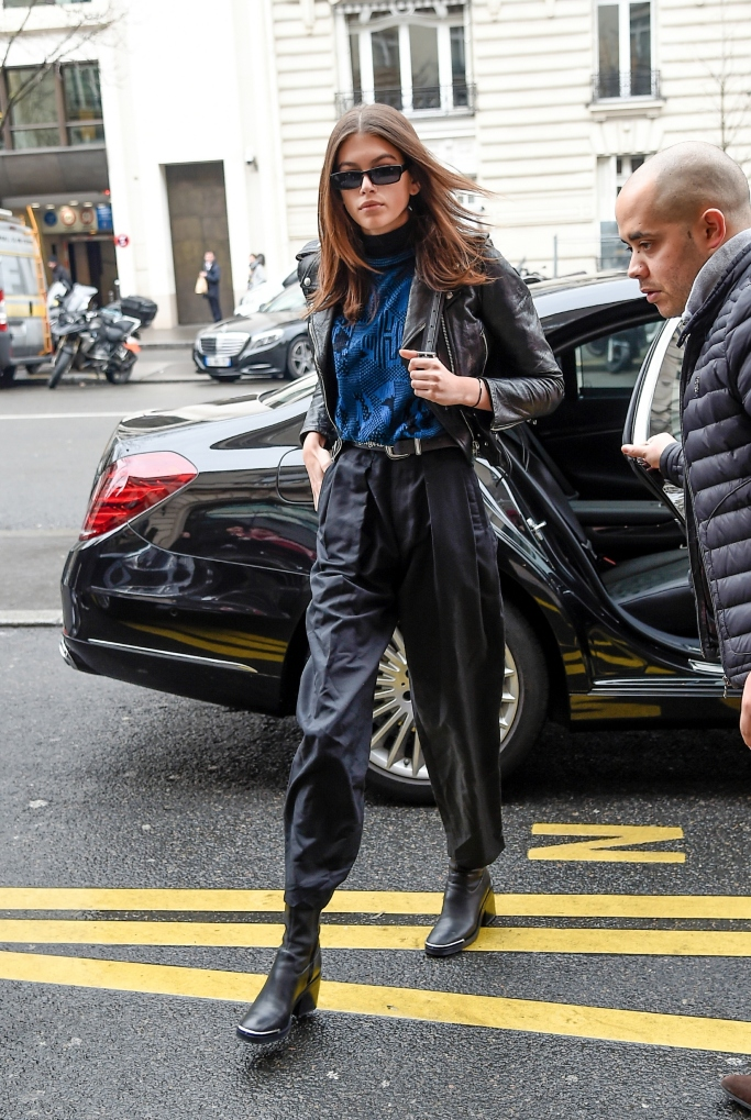 kaia gerber, paris fashion week
