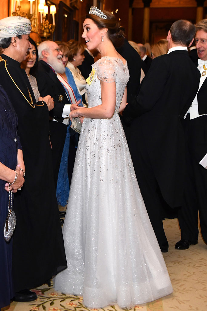 Kate Middleton, tiara, cinderella, gown, buckingham palace, royal reception