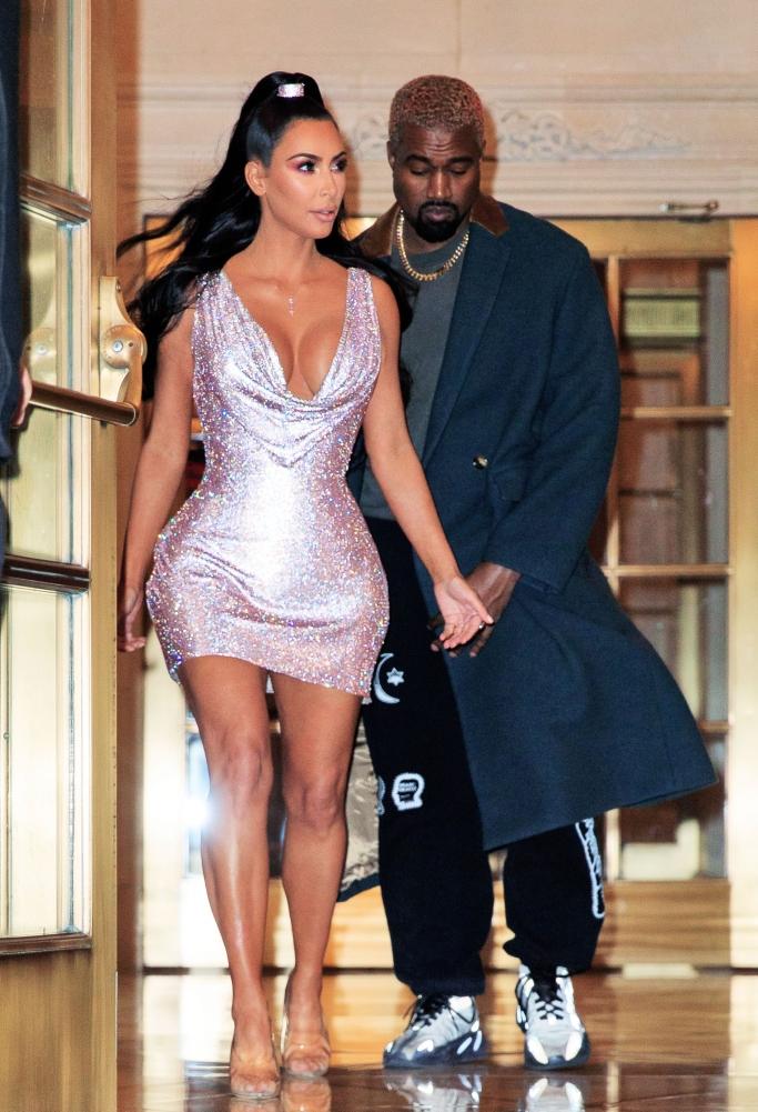 Kim Kardashian West and Kanye West, versace, street style, yeezy