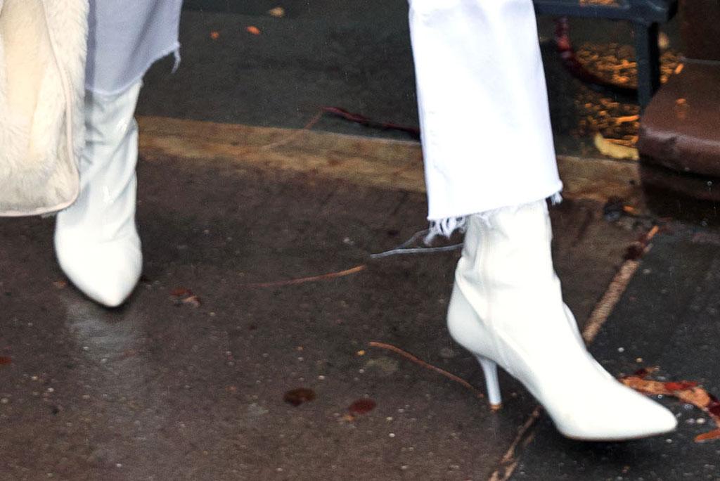 Priyanka Chopra, new york city, green coat, diana, dog, white boots