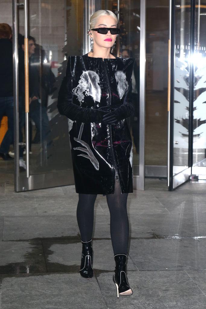 Rita Ora, new york city, street style, all black outfit