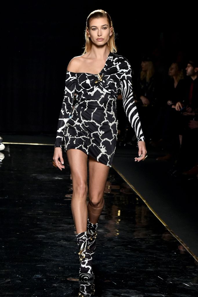 hailey baldwin versace pre-fall 2019 runway new york