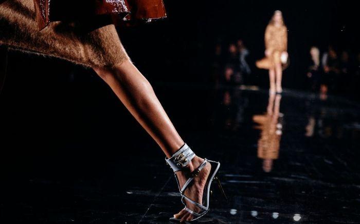 versace pre-fall 2019 runway new york high heel sandal shoe