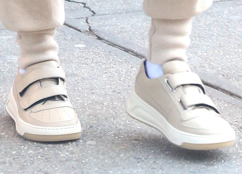 hailey baldwin, acne studios Steffey leather sneakers