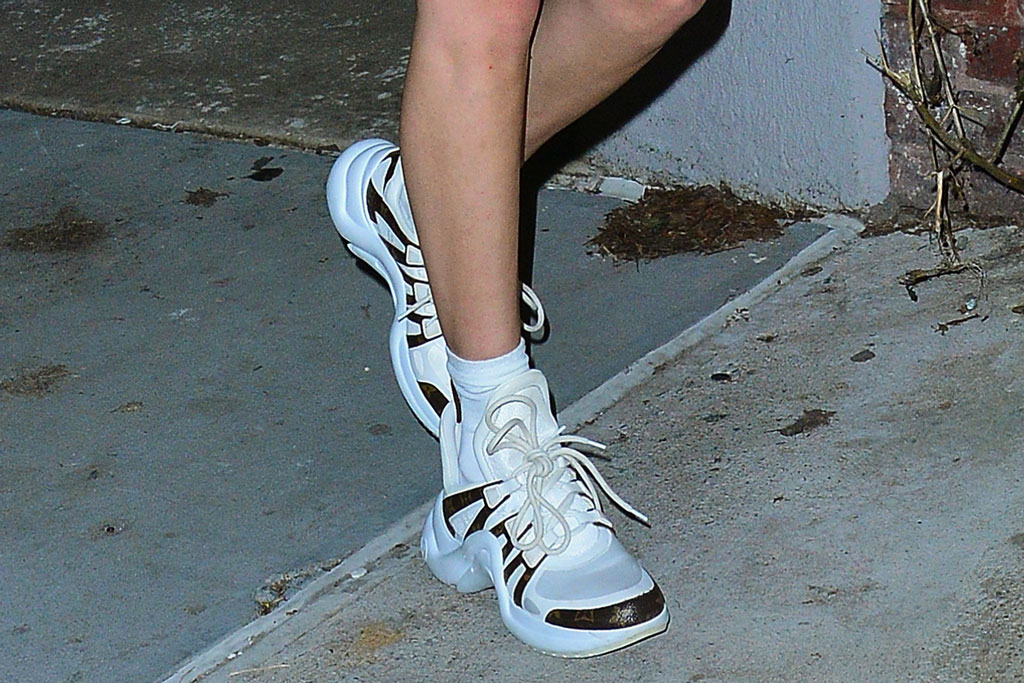 bella hadid, louis vuitton archlight sneakers, celebrity style, street style