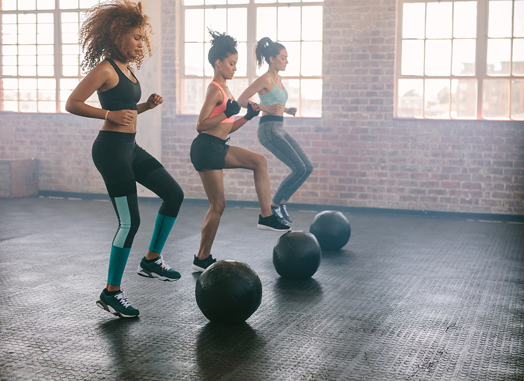 nike aerobic trainers womens