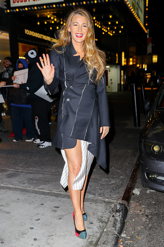 Blake Lively looks radiant as leaving with husband Ryan Reynolds after hosting Mary Poppins private reception at the Feinstein's/54 Below in NYCPictured: Blake LivelyRef: SPL5054578 100119 NON-EXCLUSIVEPicture by: Felipe Ramales / SplashNews.comSplash News and PicturesLos Angeles: 310-821-2666New York: 212-619-2666London: 0207 644 7656Milan: 02 4399 8577photodesk@splashnews.comWorld Rights