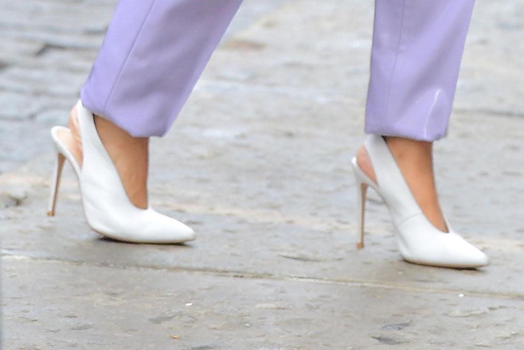 cardi b, white pumps, shoes, celebrity style, fashion