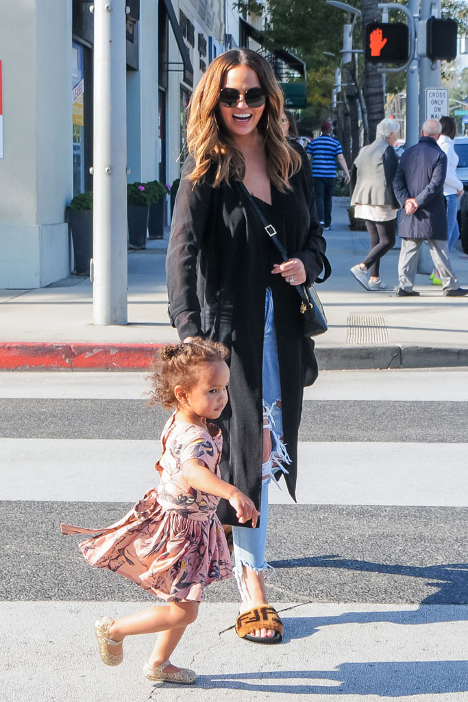 Chrissy Teigen, Luna Stephens, Los Angeles, celebrity shoe style