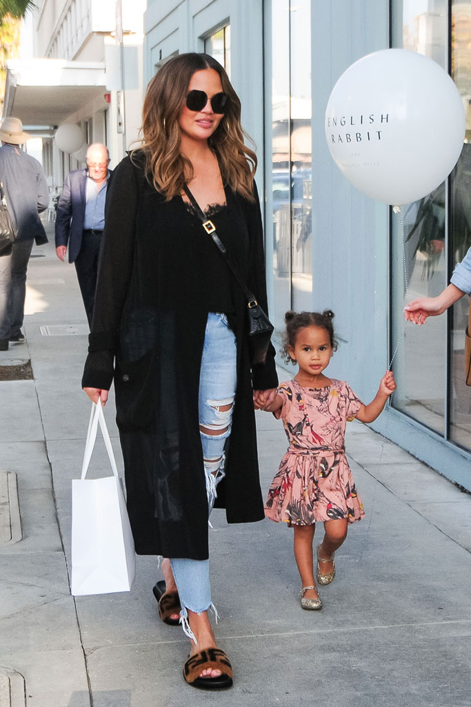 Chrissy Teigen, Luna Stephens, daughter, los angeles, celebrity kids