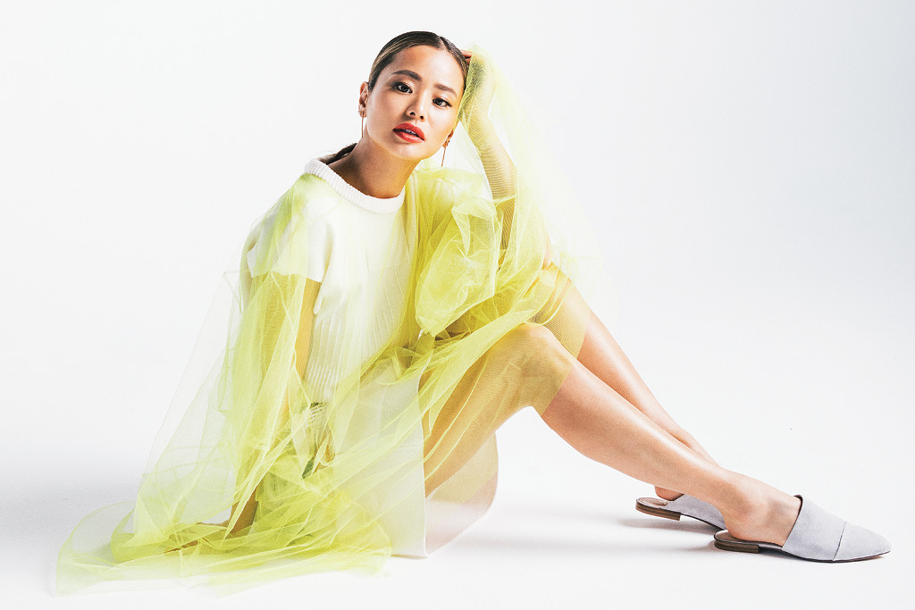 Jamie Chung, 42 gold shoes, footwear news, photo shoot, fn