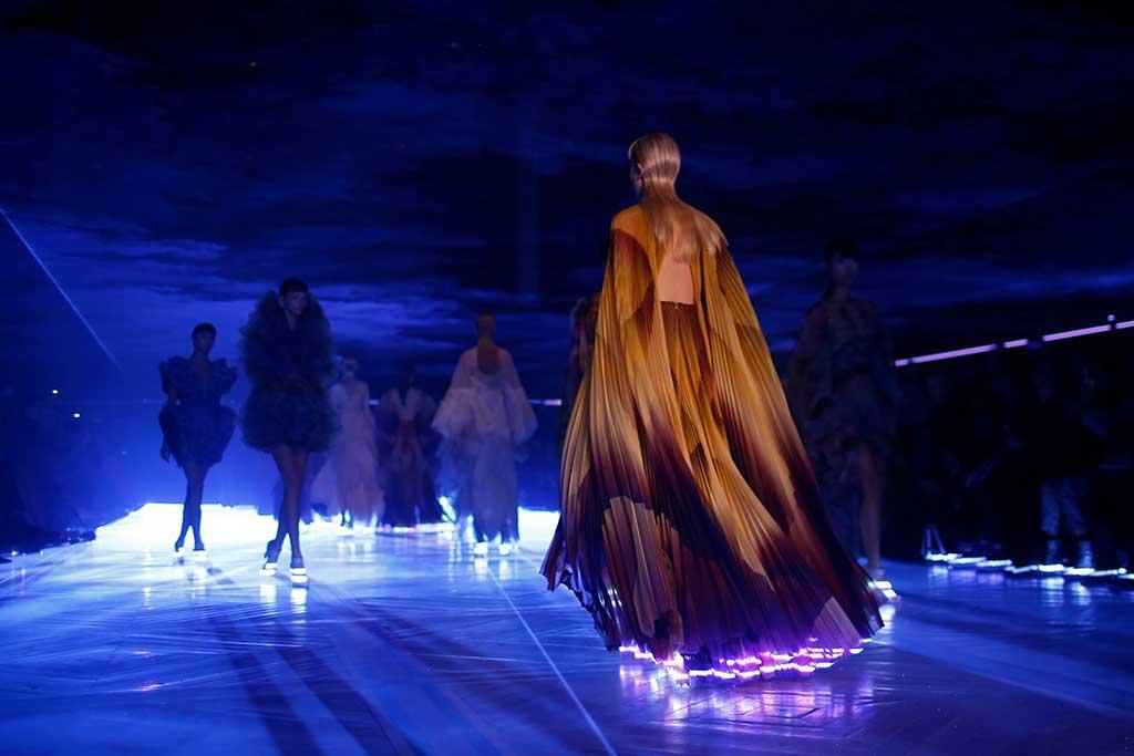 Iris van Herpen spring '19 couture.