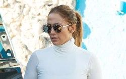 Jennifer Lopez, crop top, leggings, gym,
