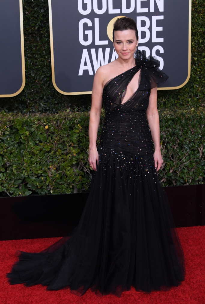 Linda Cardellini, celebrity style, red carpet, 2019 golden globes