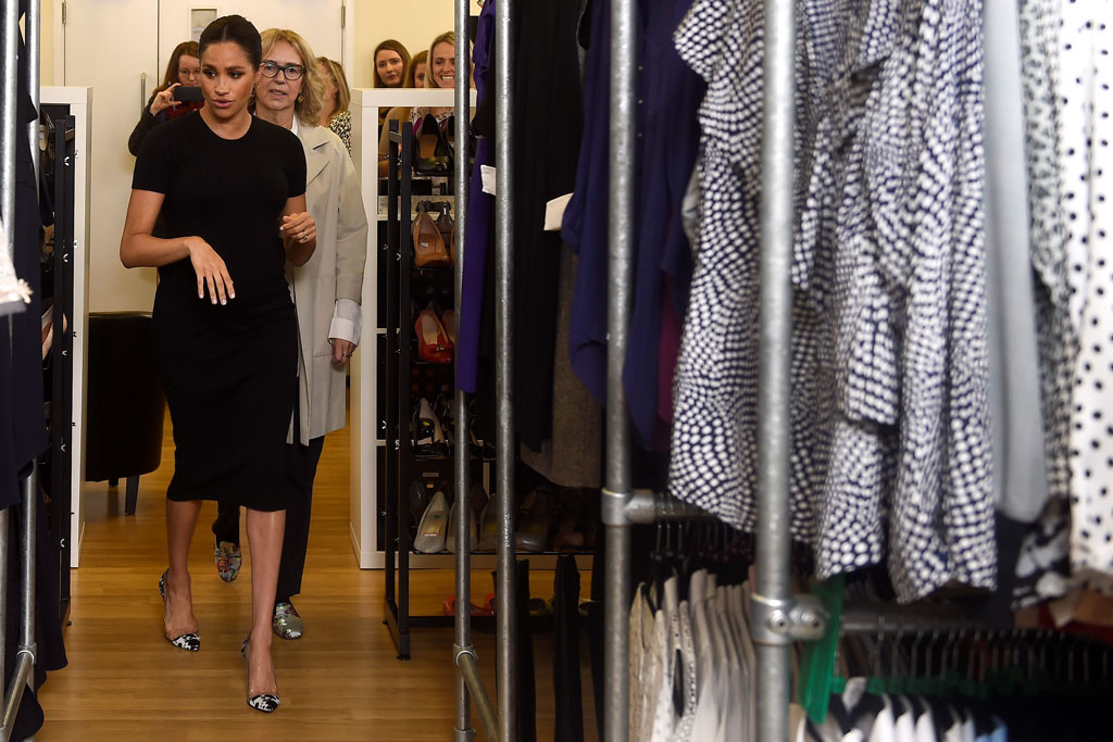 meghan markle, smart works charity, pregnancy style, high heels, fashion, celebrity style