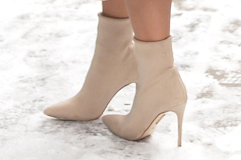 Nicole Scherzinger, boots, high heels, snow, celebrity style, 2019