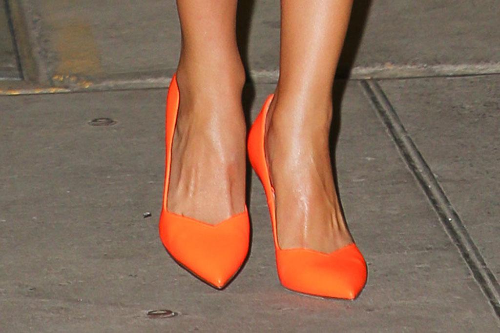 olivia culpo, high heels, orange, street style, celebrity style