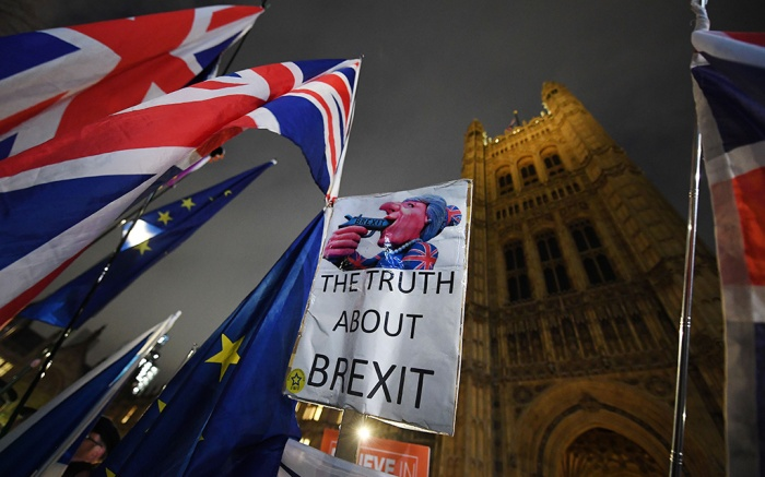 Pro EU protesters demonstrate outside of the Parliament in London, Britain, 15 January 2019. Parliamentarians are voting on the postponed Brexit EU Withdrawal Agreement, commonly known as The Meaningful Vote, deciding on Britain's future relationship with the European Union.EU withdrawal agreement vote, London, United Kingdom - 15 Jan 2019
