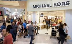 Shoppers, Michael Kors, technology