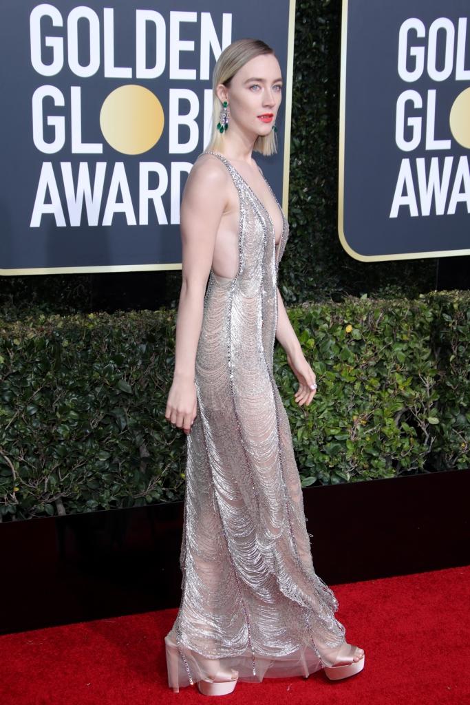 Saoirse Ronan, Golden Globe Awards, red carpet, gucci