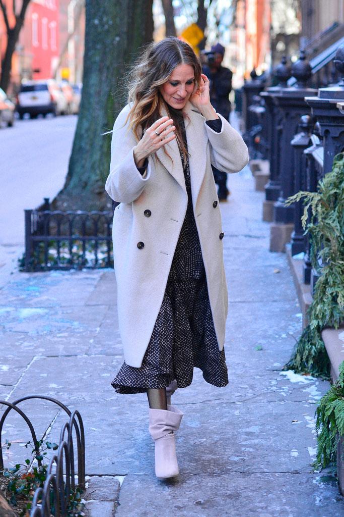 Sarah Jessica Parker, nyc, boots, high heels, dress, jacket, winter