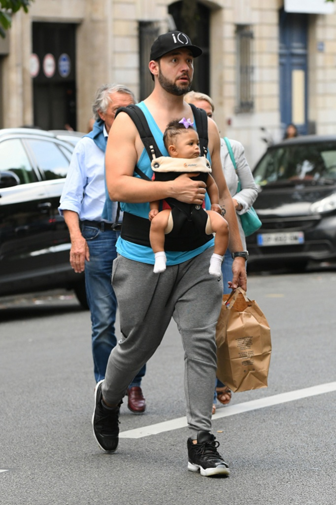 Serena Williams husband Alexis Ohanian and their daughter Olympia leave their hotel in Paris, France.Pictured: Alexis Ohanian Ref: SPL1705003 050618 NON-EXCLUSIVE Picture by: SplashNews.com Splash News and Pictures Los Angeles: 310-821-2666 New York: 212-619-2666 London: 0207 644 7656 Milan: 02 4399 8577 photodesk@splashnews.com Australia Rights, Germany Rights, Italy Rights, New Zealand Rights, United Kingdom Rights, United States of America Rights