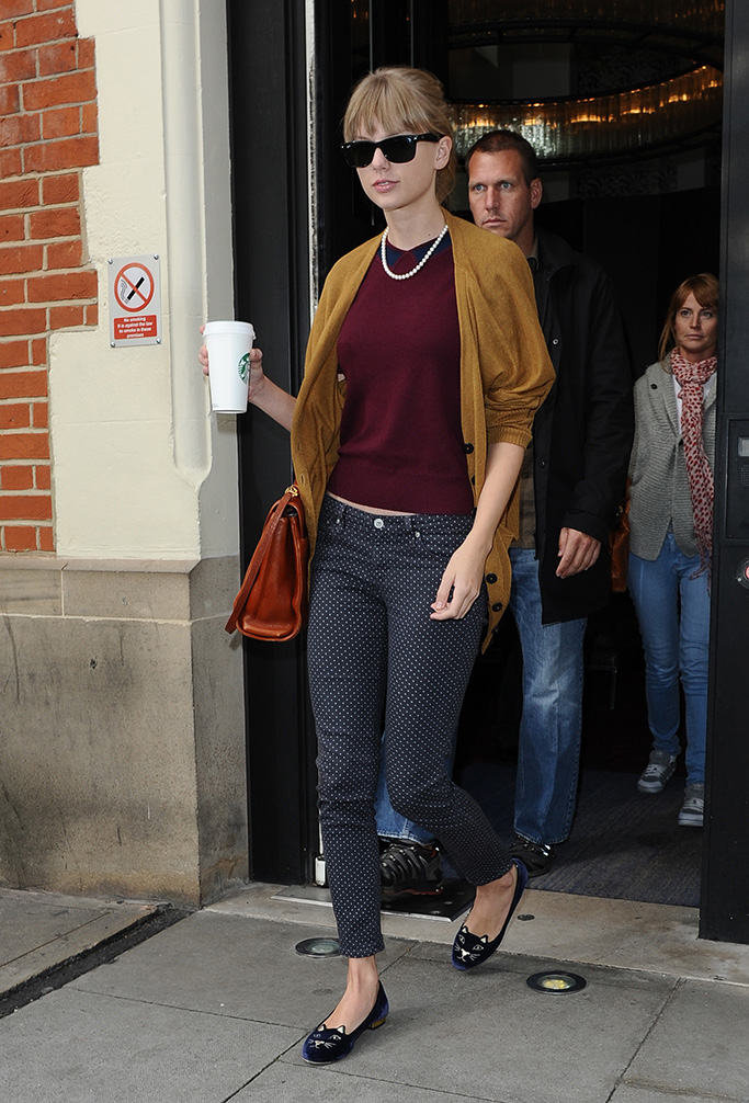 Singer Taylor Swift pictured leaving her London Hotel and then going to the Hospital Club in Covent Garden. Taylor was wearing cat shoes and also had 'Tabby' as her coffee name. Pictured: Taylor Swift Ref: SPL444980 041012 NON-EXCLUSIVE Picture by: SplashNews.com Splash News and Pictures Los Angeles: 310-821-2666 New York: 212-619-2666 London: 0207 644 7656 Milan: 02 4399 8577 photodesk@splashnews.com World Rights
