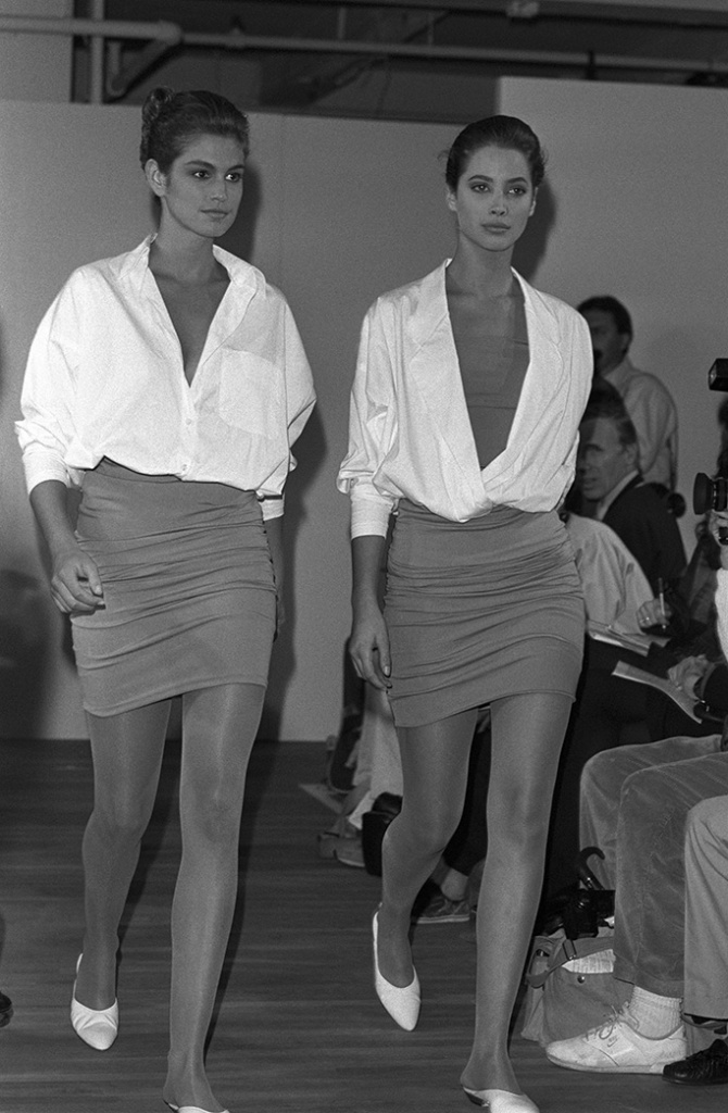 Cindy Crawford and Christy Turlington modeling Michael Kors Spring 1988 collectionMichael Kors Spring 1988 Show, New York