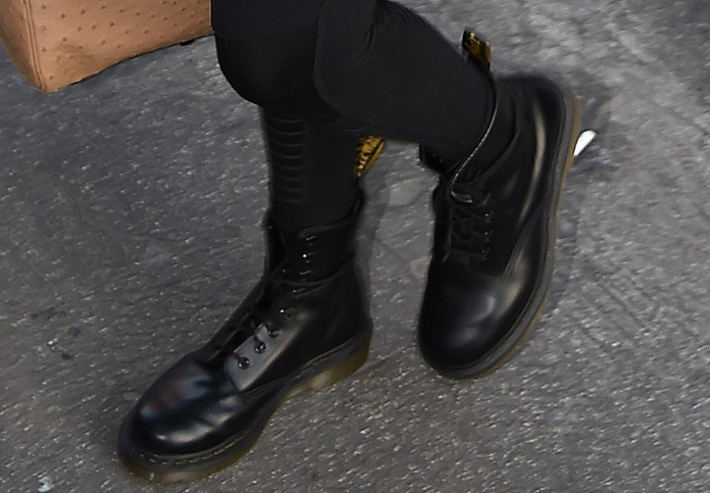 dr. martens boots, gigi hadid, street style