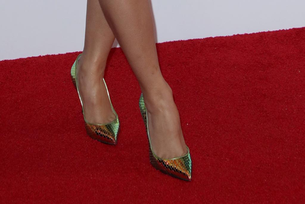 hennessy carolina, grammy awards, heels