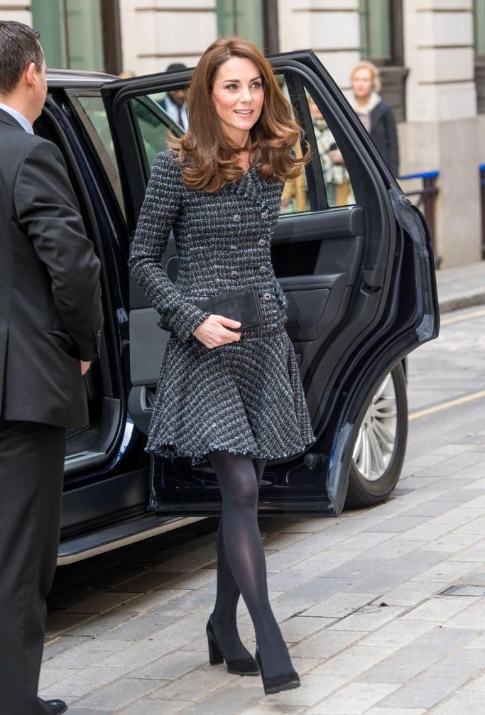 kate middleton, bespoke chanel suit, tod's heels, mulberry clutch, kiki mcdonough earrings