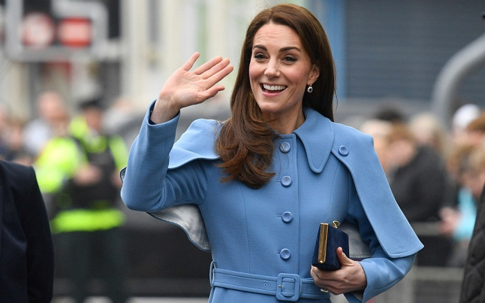 kate middleton, mulberry, Catherine Duchess of Cambridge waves as she visits the Braid Centre in Ballymena, Northern Ireland, Britain, 28 February 2019. The Duke and Catherine Duchess of Cambridge are on a two-day royal visit to Northern Ireland.Duke and Duchess of Cambridge visit Northern Ireland, Ballymena, United Kingdom - 28 Feb 2019