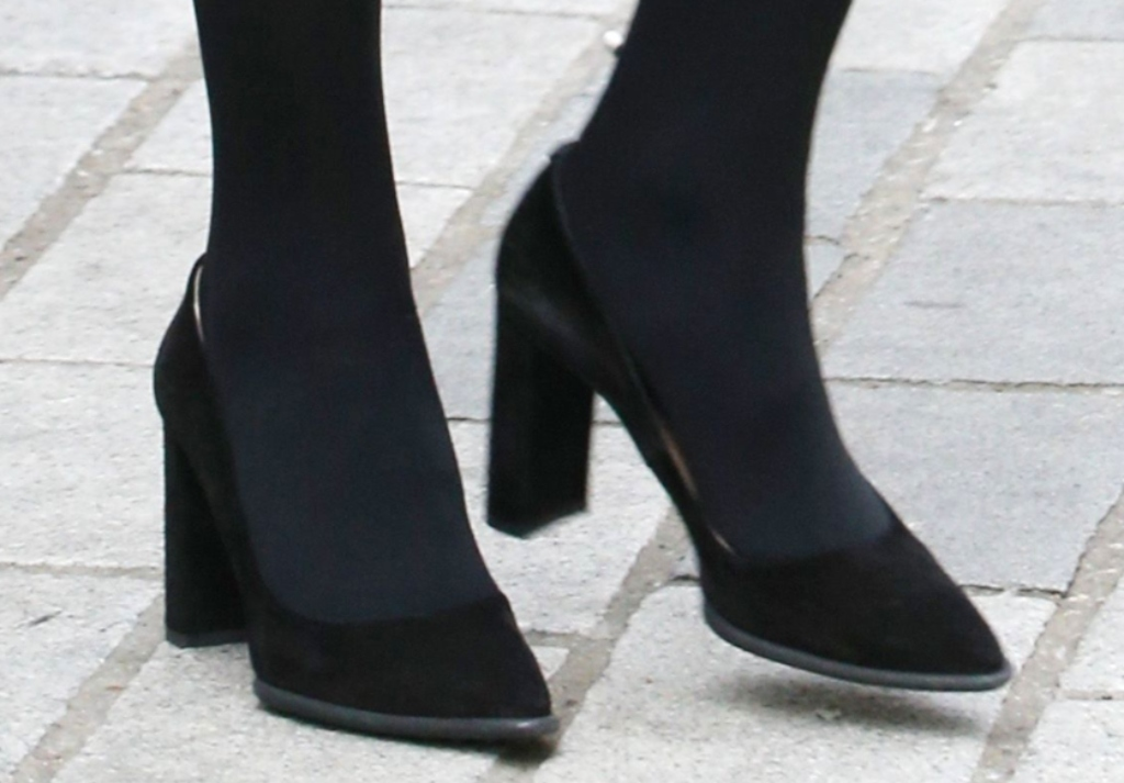 tod's suede block heel pump, kate middleton