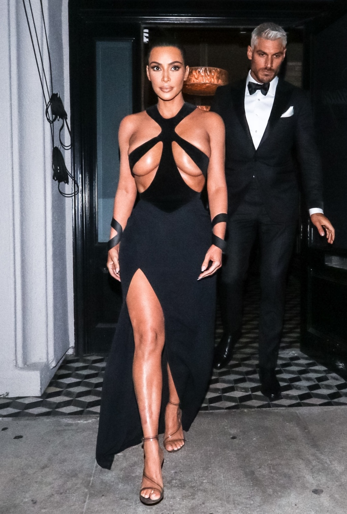 kim kardashian, Thierry Mugler 1998 Dress, hollywood beauty awards