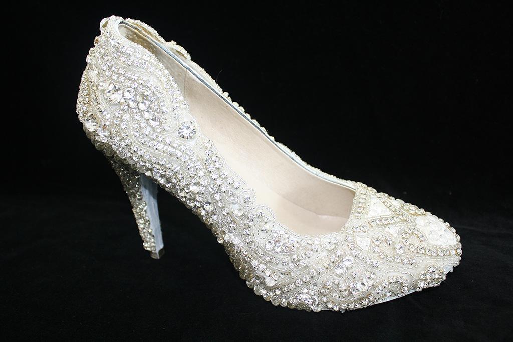 Kathryn Wilson Diamond Shoe, most expensive shoe, diamond pump, pumps