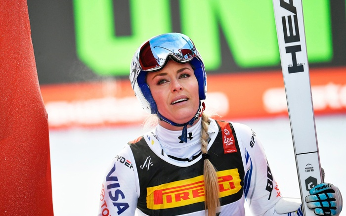 Lindsey Vonn, under armour, head, skiing, of the USA reacts after crashing during the women's Super G race at the FIS Alpine Skiing World Championships in Are, Sweden, 05 February 2019.FIS Alpine Skiing World Championships 2019, Are, Sweden - 05 Feb 2019
