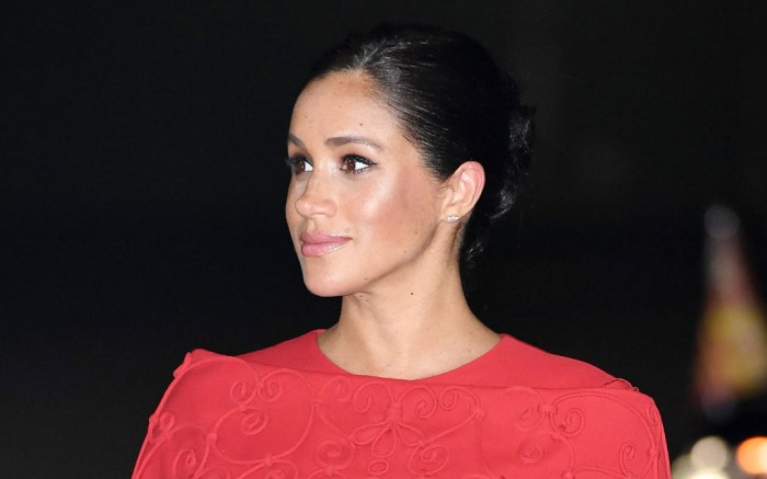 Meghan Markle, Valentino, red dress, morocco, pregnant, maternity style, royal style, prince harry