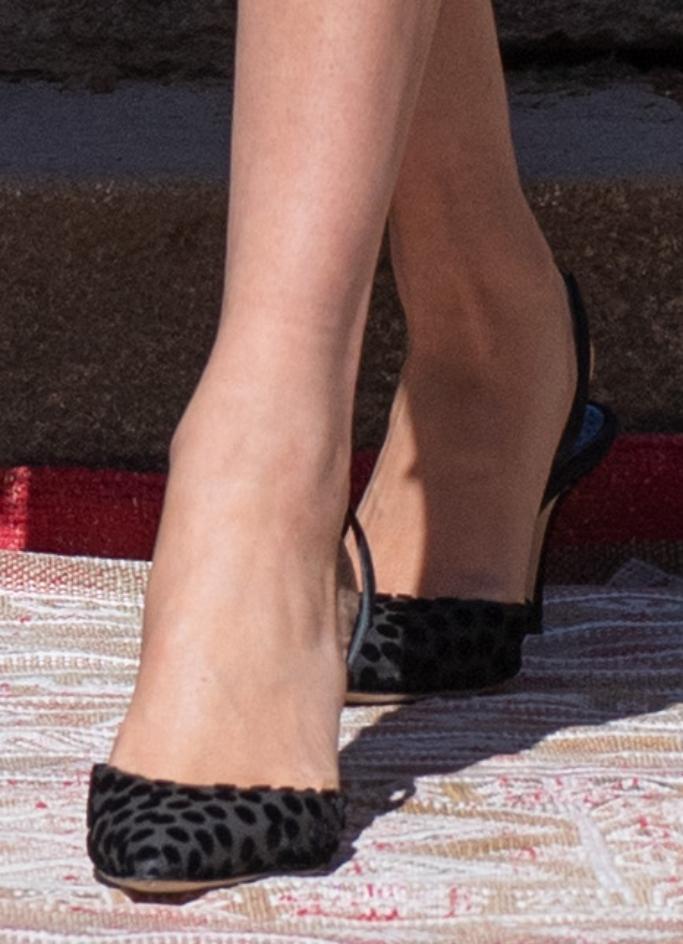 meghan markle, slingback heels