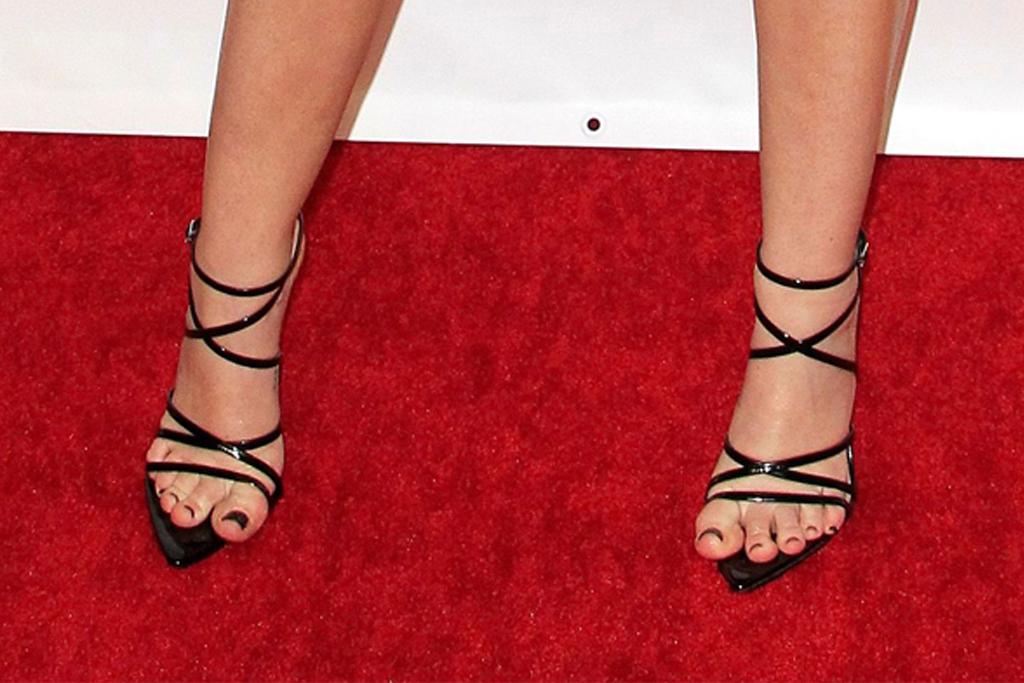 miley cyrus, strappy heels