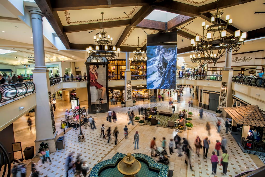 Macerich mall in California provides a mix of experiential and product retail to cater to a changing consumer.
