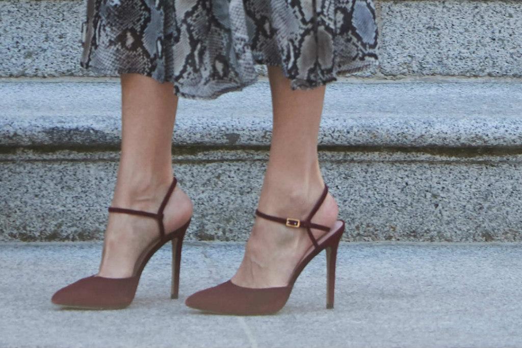 queen letizia, red heels