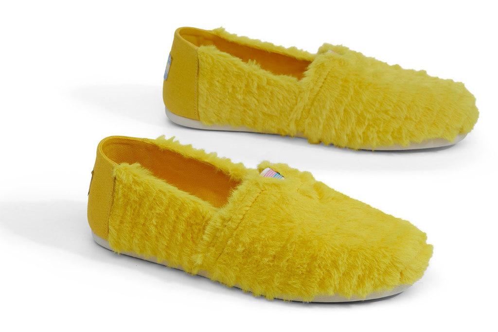 toms shoes, sesame street, big bird