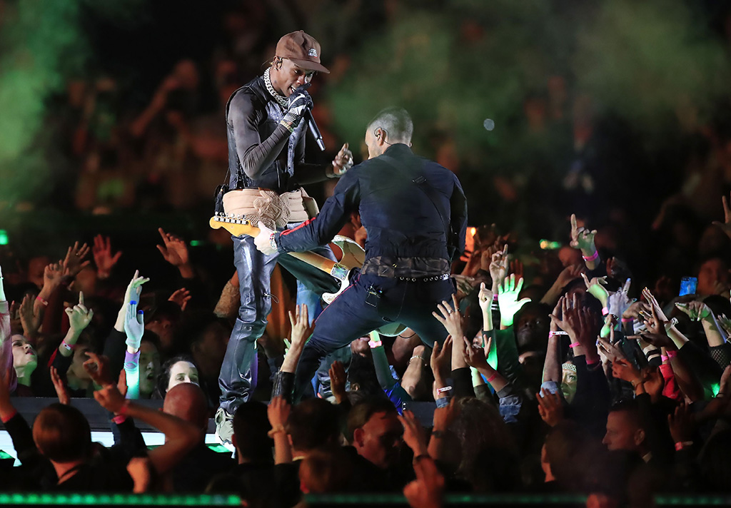 Travis Scott , air jordan 6, cactus jack, (L) and Adam Levine of Maroon 5 performs during the halftime show of Super Bowl LIII between the New England Patriots and the Los Angeles Rams at Mercedes-Benz Stadium in Atlanta, Georgia, USA, 03 February 2019.Super Bowl LIII, Atlanta, USA - 03 Feb 2019