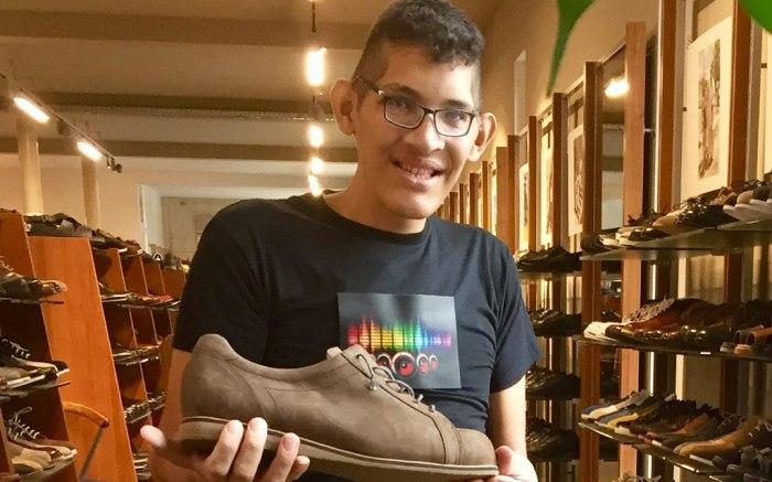 Jeison Orlando Rodríguez Hernández, world's largest feet, guinness world records