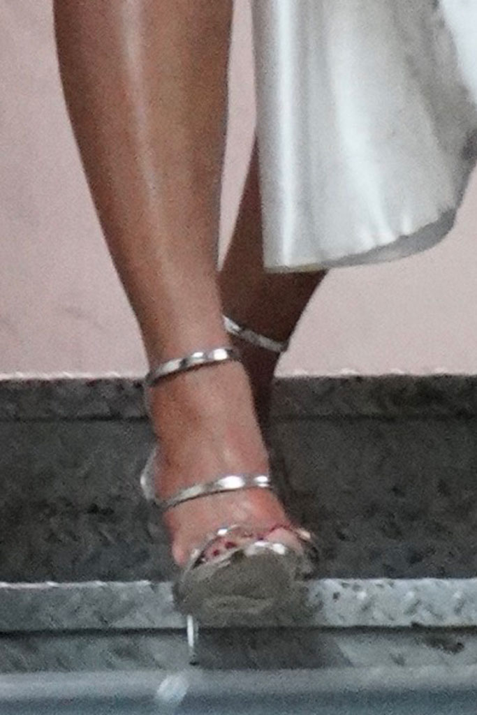 Beyoncé, sandals, giuseppe zanotti, celebrity style, naacp image awards