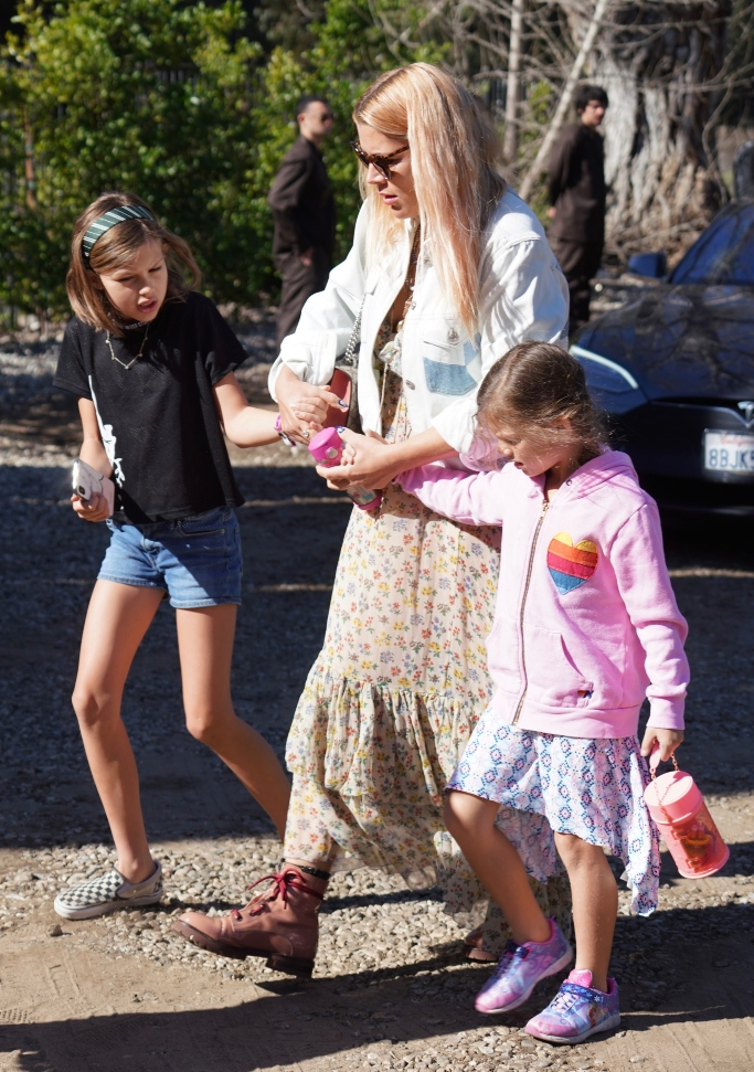 Busy Philipps daughters