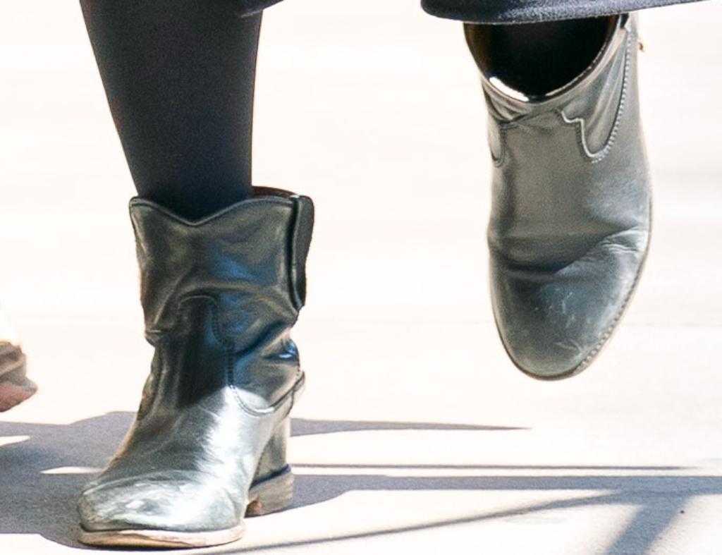 chelsea clinton boots