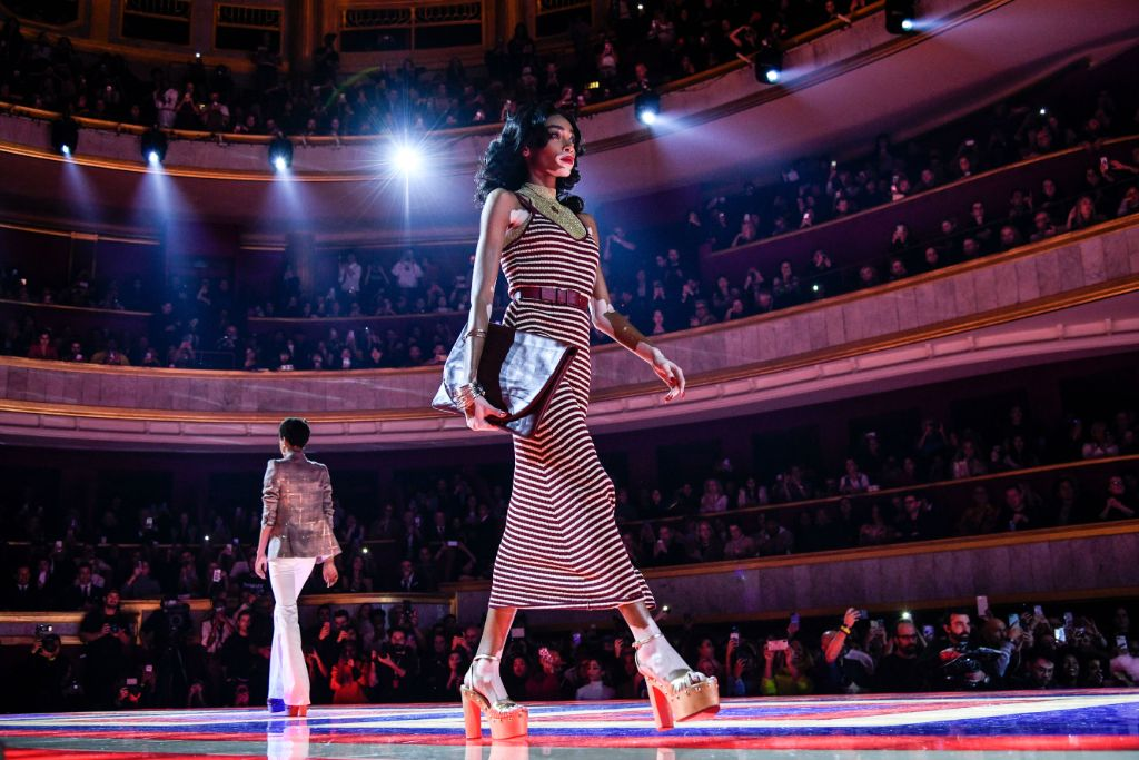 winnie-harlow-tommy-hilfiger-zendaya-fall-2019-platforms-female-empowerment