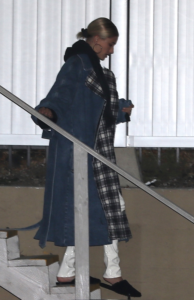hailey baldwin, Belted denim and quilted checked flannel coat, slippers